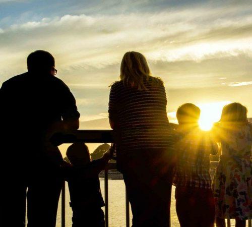 Family Sunset-min